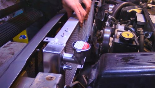 Aftermarket Radiator for Jeep XJ